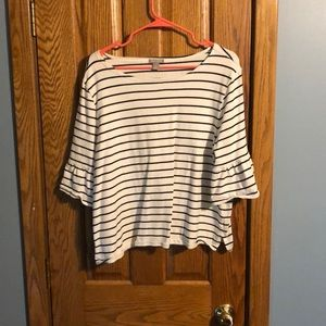 Tops - Adorable 3/4 sleeve stripped shirt